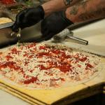 making 575° pizza